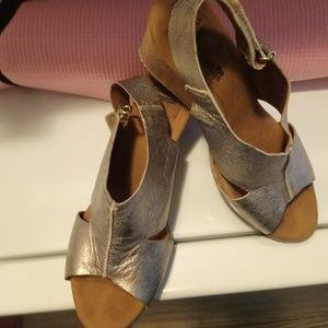 "Clark""s sandals  - Annadel Bari"